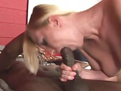 Black cock chaser Roxxxi